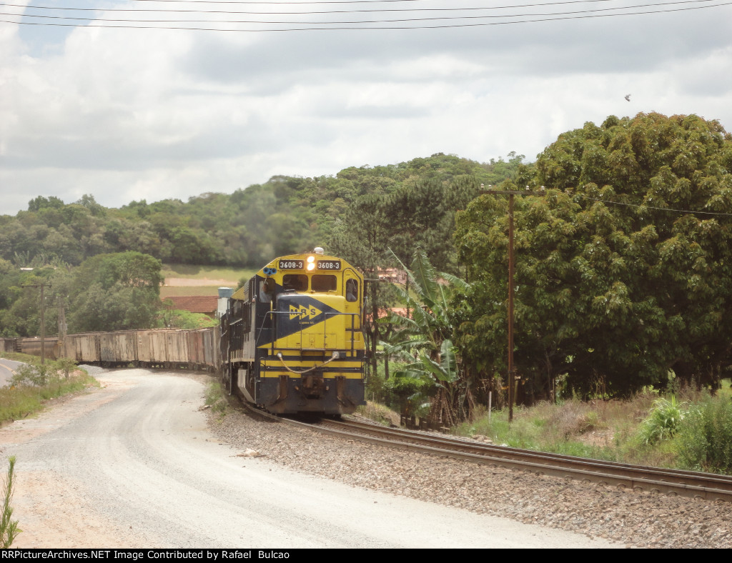 MRS M-86 Leads east to Santos