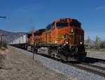 BNSF 5149 pulls a Z-train into Mojave