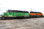 BNSF 2821 & 2704