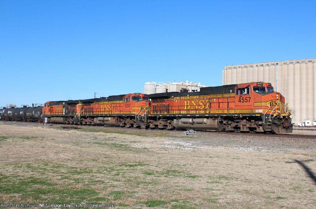BNSF 4557