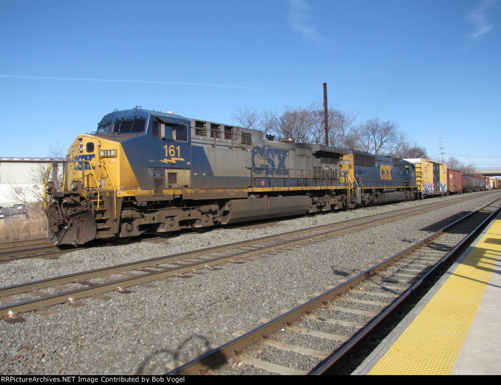 CSX 161 and 8772