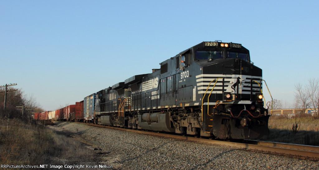 NS 9703 C40-9W