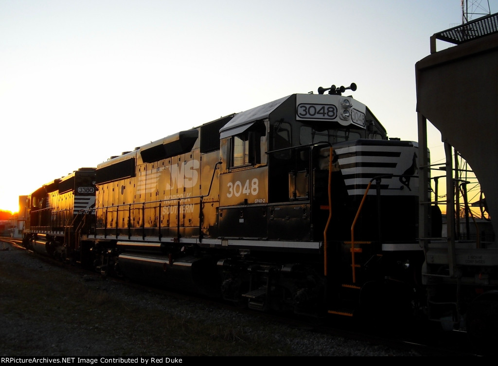 Wearing a fresh new coat of NS paint, GP40-2 #3048 sits in the evening sun just outside the old Cleveland depot, waiting for another day in the yard.