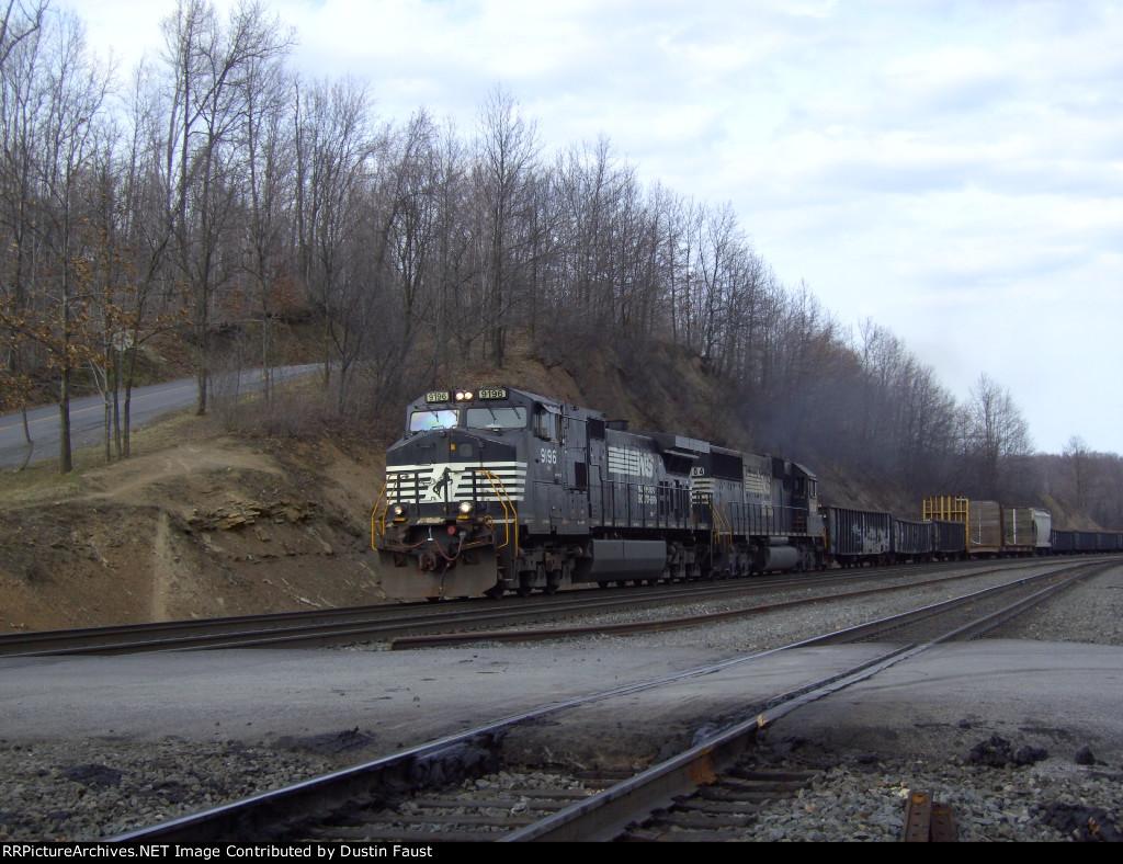 NS 9196 Leads Westbound Manifest