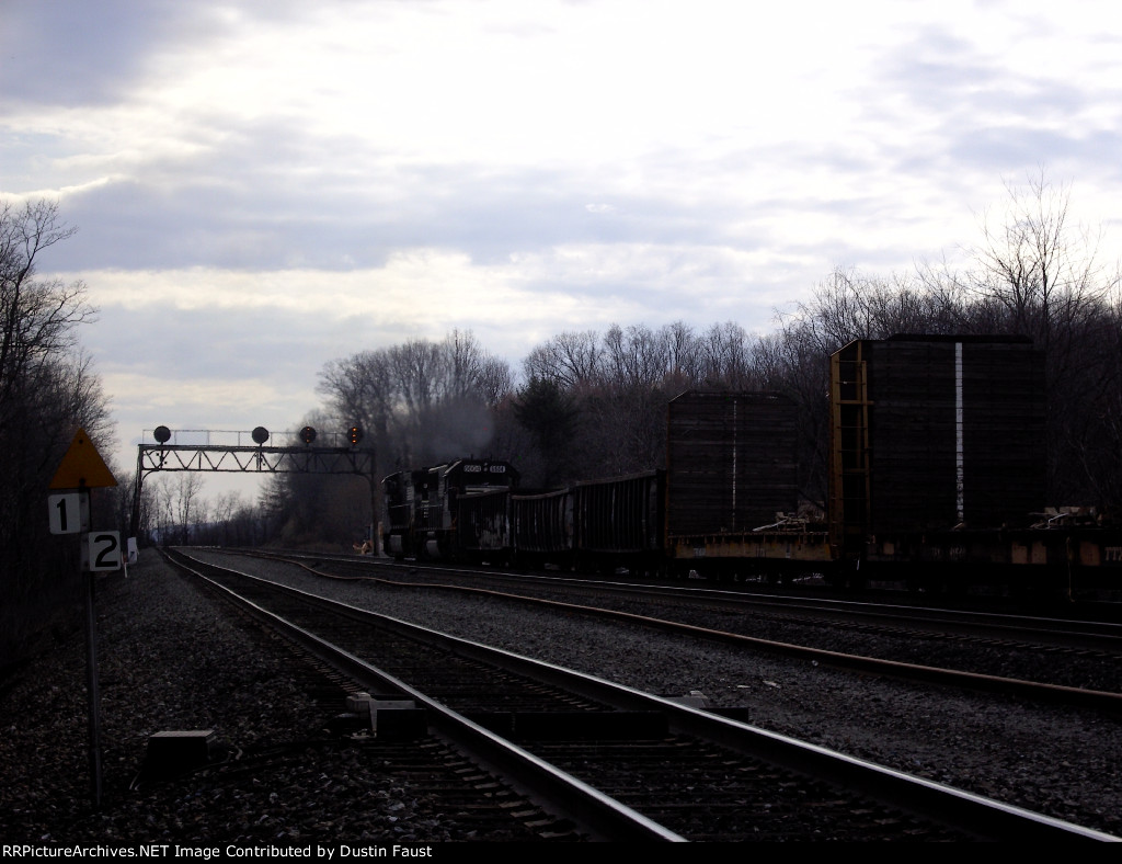 NS 9196 Leads Westbound Manifest