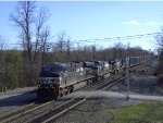 NS 7693 Leads Eastbound Garbage Empites