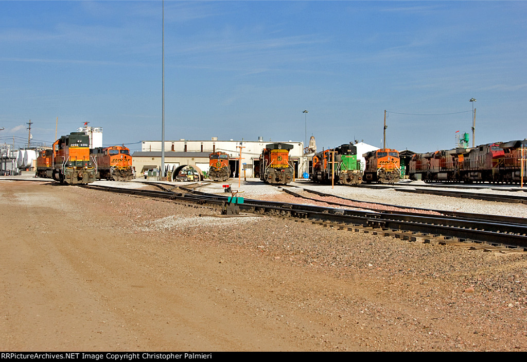 BNSF 2292, 1004, 4436, 1696, and 6100