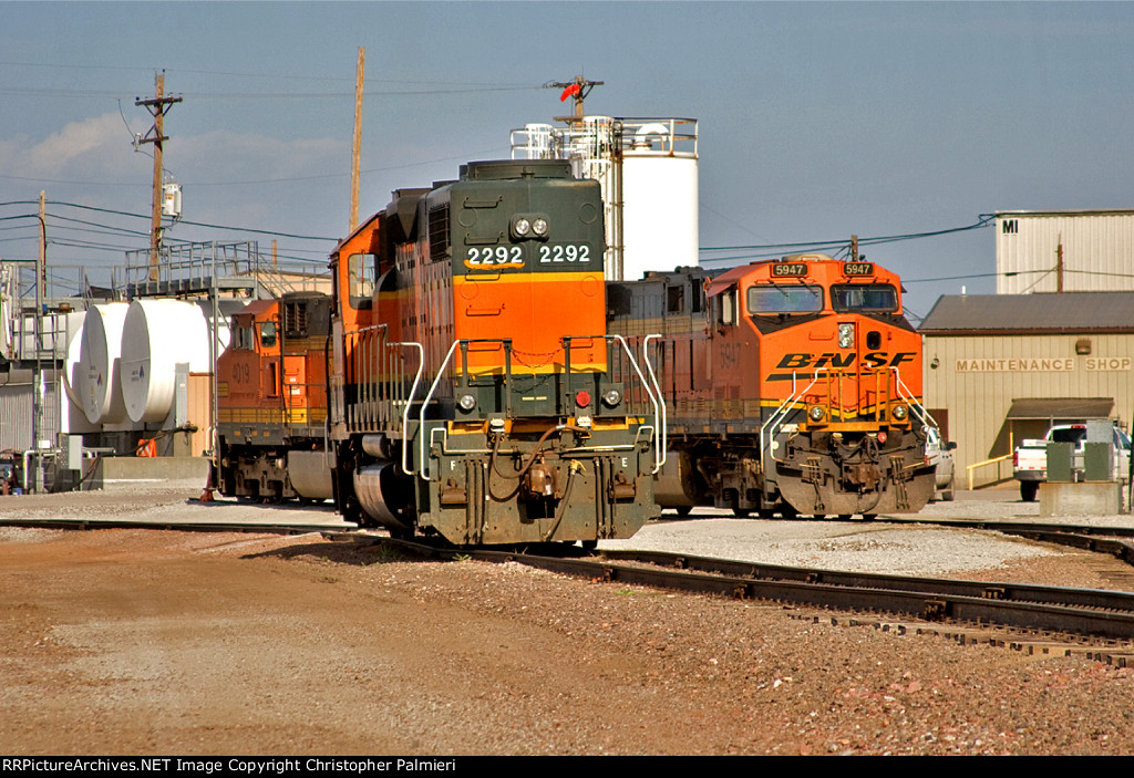 BNSF 2292, 5947, and 4019