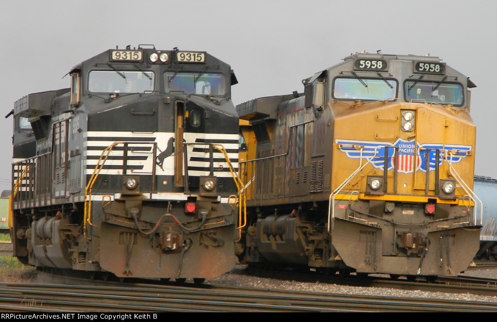 UP 5958 and NS 8315