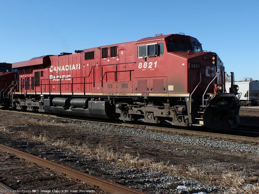 CP 8821 at Guelph jct