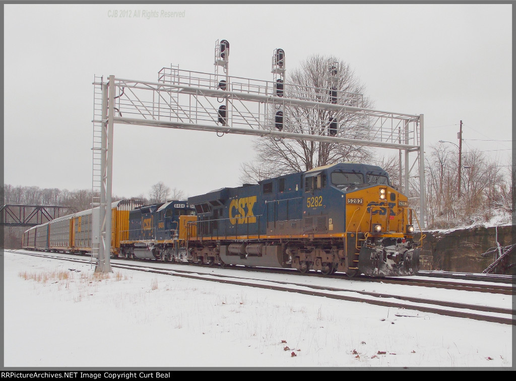 CSX 5282 and 8404 (2)