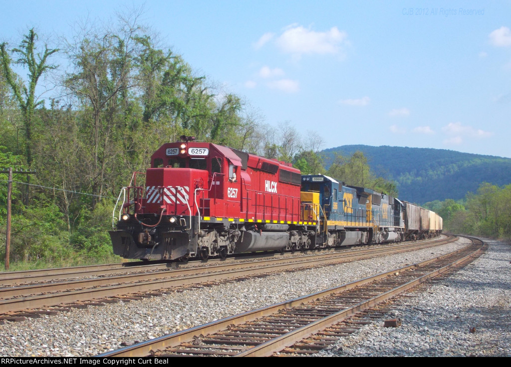 HLCX 6257 and CSX 5966