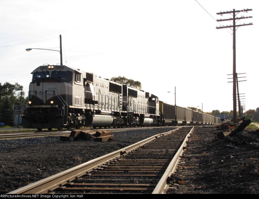 BNSF 9768 & 9425 head east towards the yard with N956-02