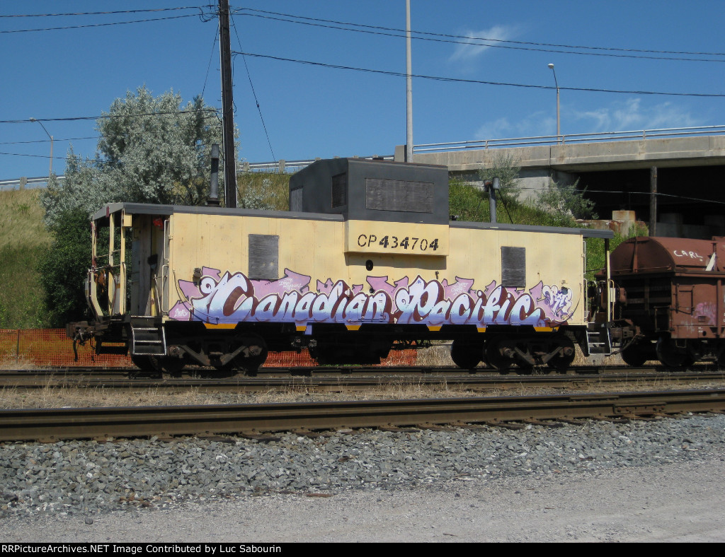 CP 434704