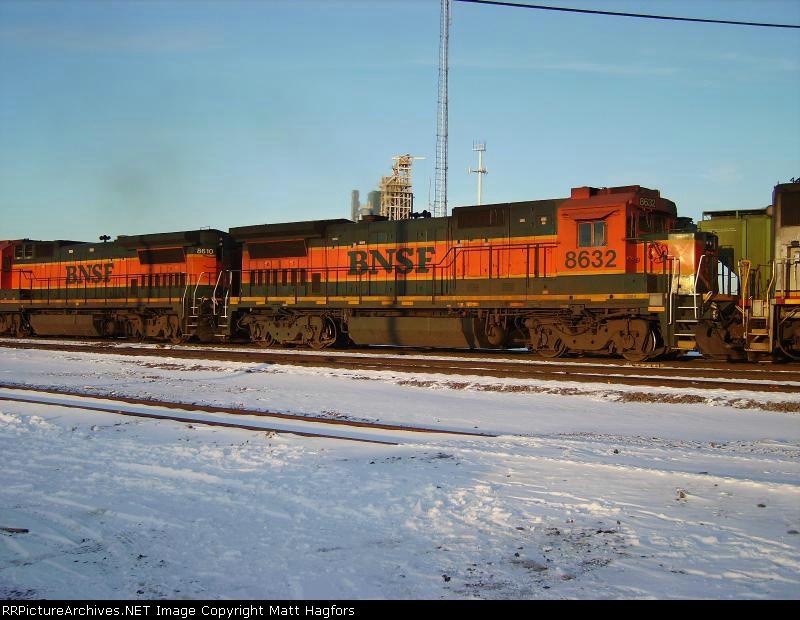 BNSF 8632