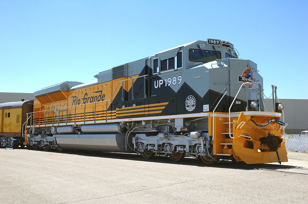 UP 1989, DRGW Heritage Unit, New EMD SD70ACe, at the unveiling event