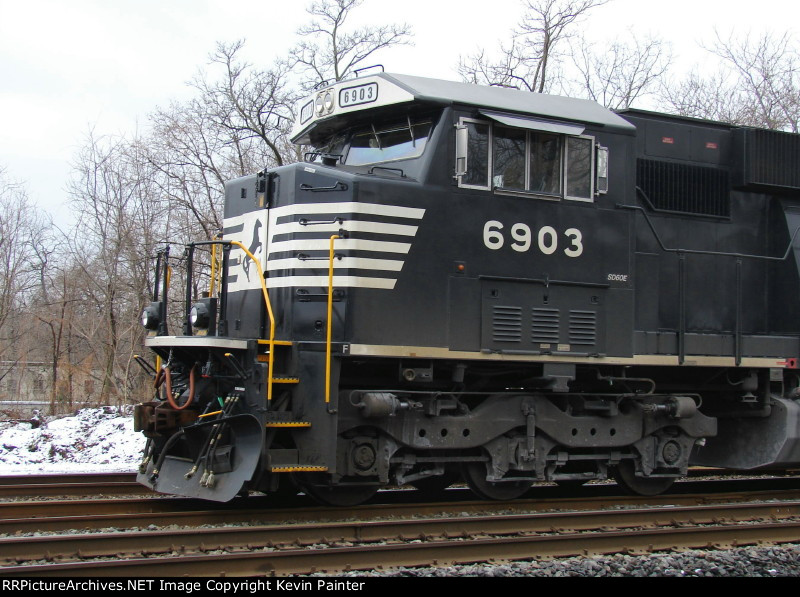 NS 6903 cab detail