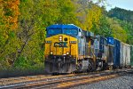 CSX 625 on the point of Q377
