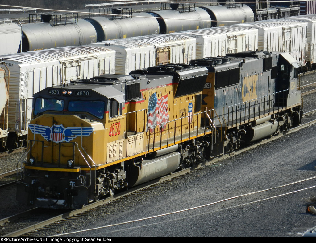 UP EMD SD70M 4830 & CSXT EMD SD50-2 8524