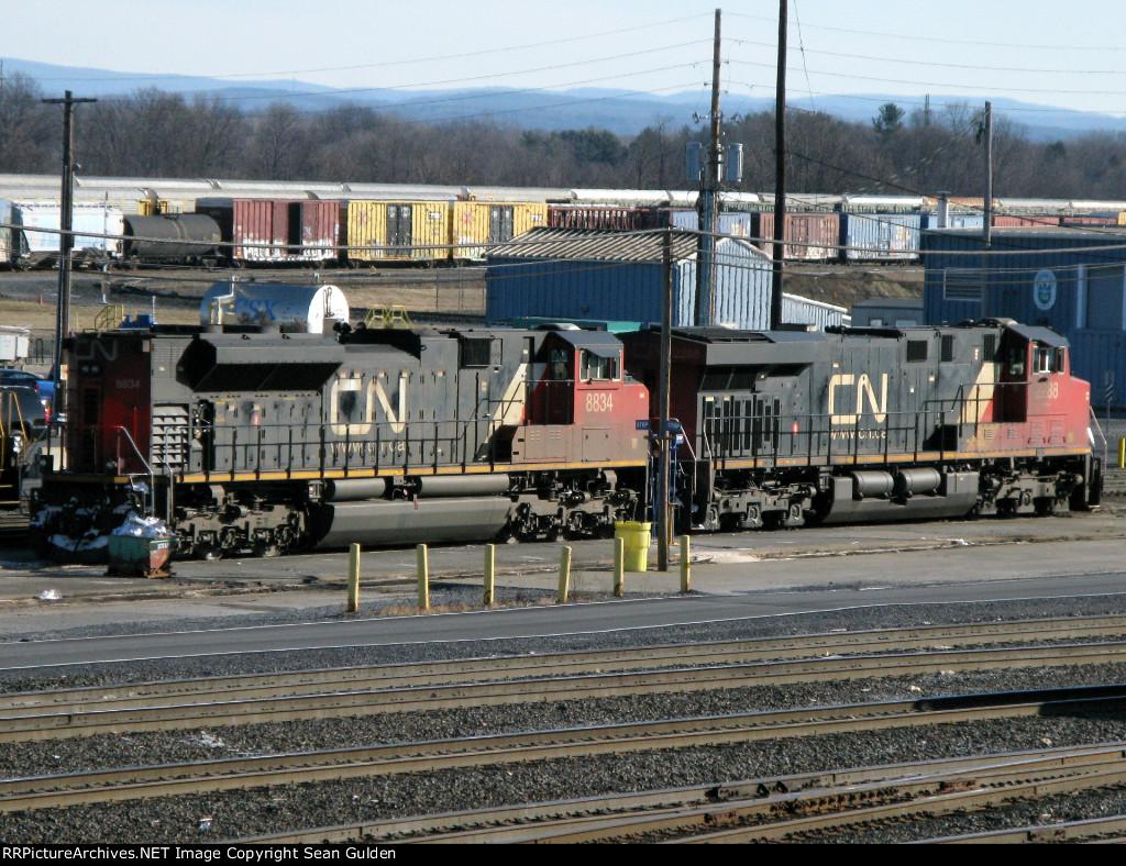 CN EMD SD70M-2 8834 & GE ES44DC 2288