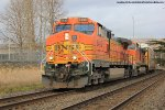 BNSF 5485 leads the V-TACLPC at Kelso, WA