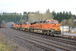 BNSF 6647 leads the M-EVEVAW
