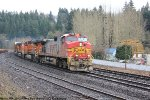 BNSF 758 leads the M-EVEVAW