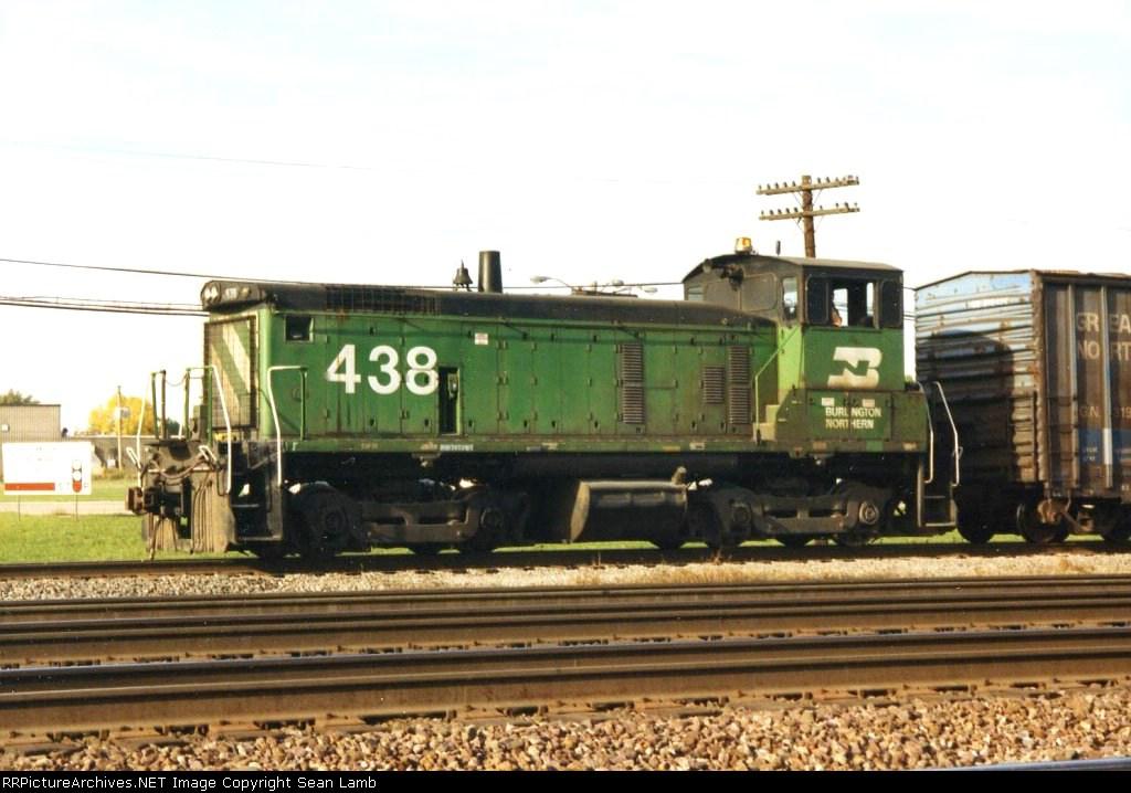 BN 438