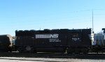NS 7017 sits in Glenwood Yard on Christmas Day