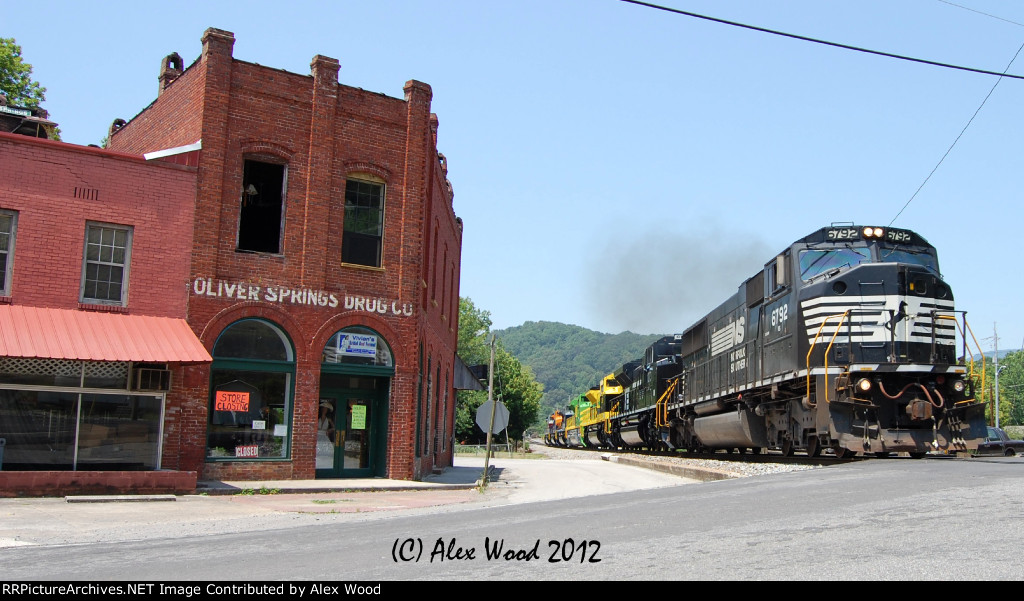 NS 961 at Oliver Springs