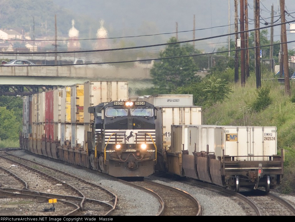 NS 9404 on 23Z meeting a stopped 24K
