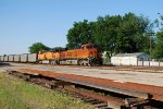 BNSF 6250 lead Texas Utilities loads south