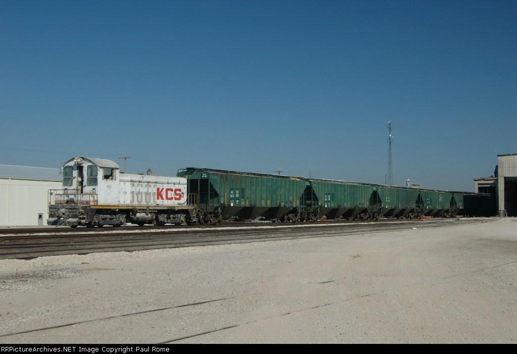 KCS 4223, ex KCS 1223, EMD NW2, now remote control, works at the Bartlett Grain Elevator