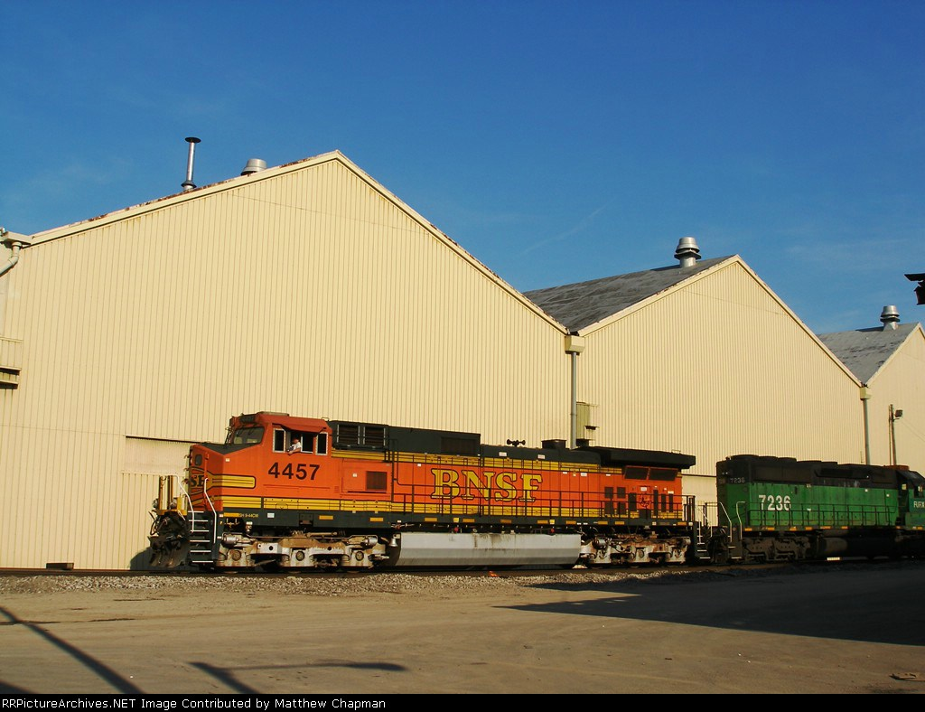 BNSF 4457