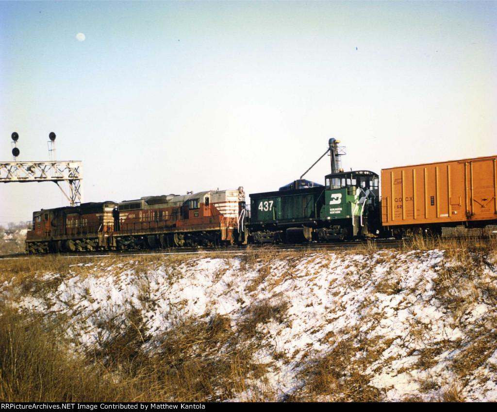 BN freight passing thru Aurora, IL