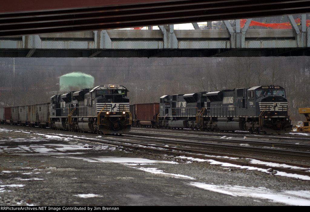 SD80MACs and SD70ACes