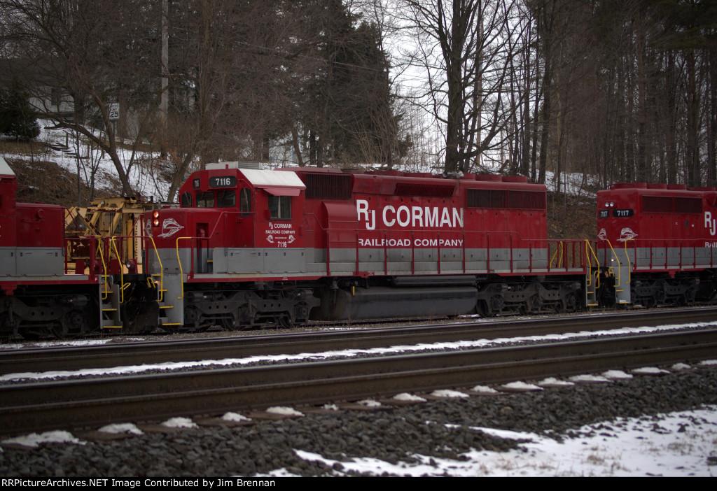 RJ Corman 7116