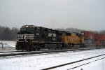 UP SD70M in the snow
