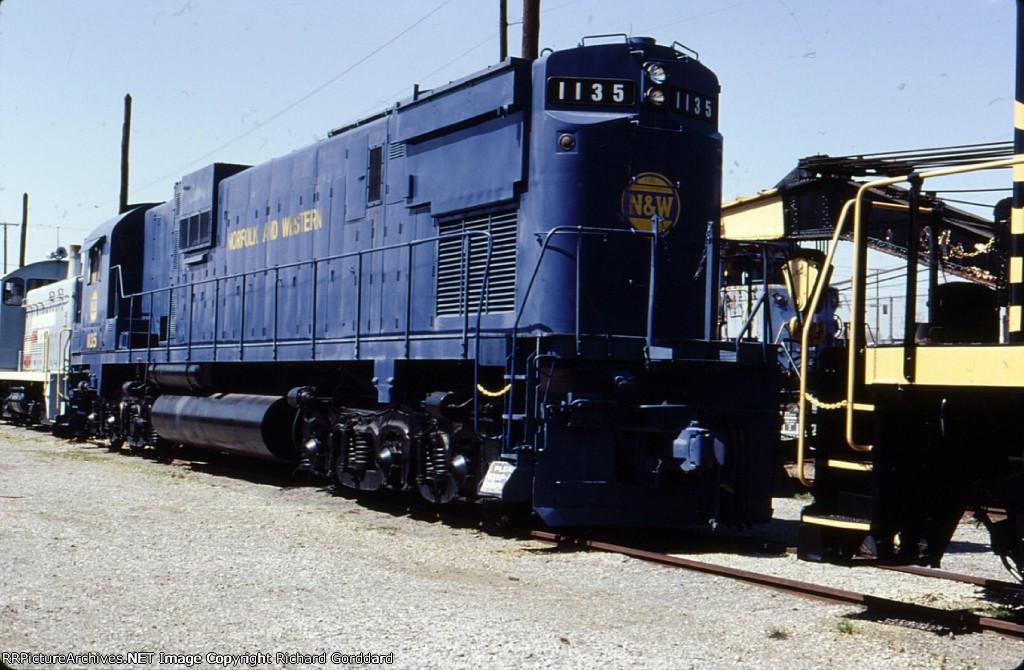 N&W 1135