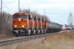 BNSF 5986, ES44AC, five units work a westbound manifest