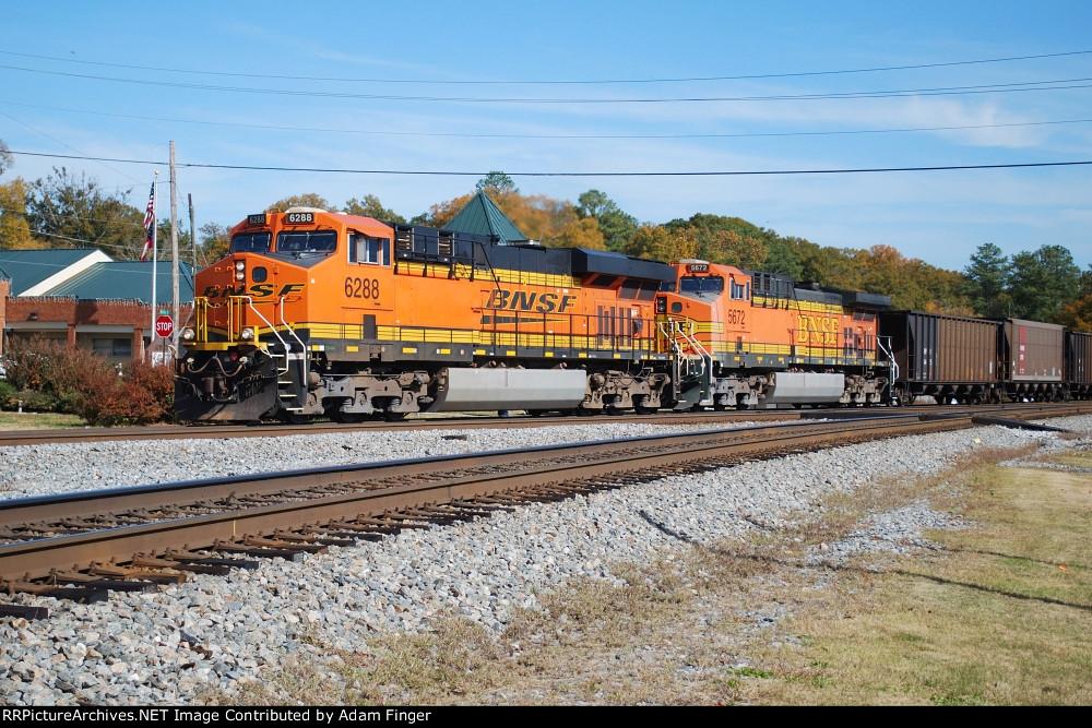 BNSF 6288 on NS 729