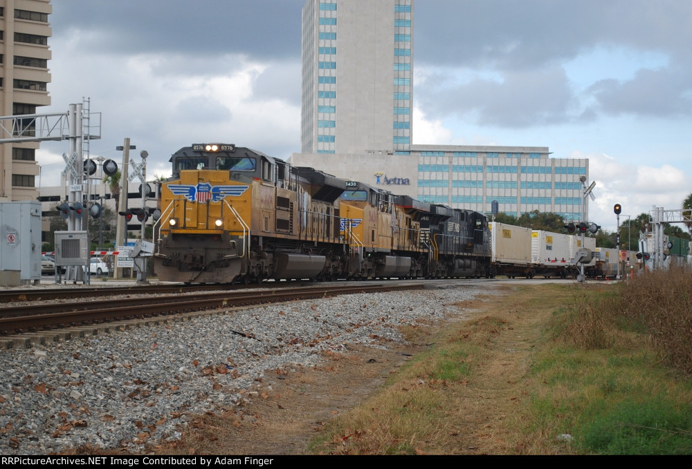UP 8576 on NS 209