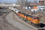 Eastbound intermodal rolls through St. Anthony