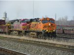 BNSF ES44DC 7625 & BNSF GP60 8712