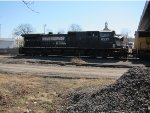 Norfolk Southern D9-40CW no. 9337 facing west just up the banks of the Missouri River in downtown