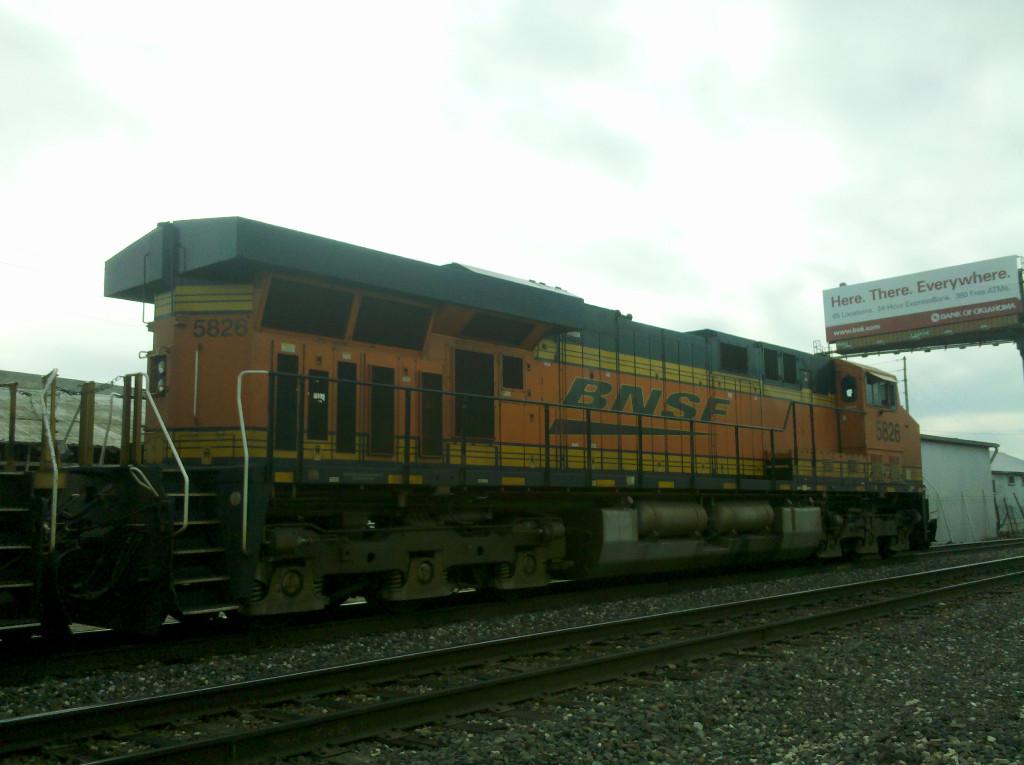 BNSF ES44AC 5826