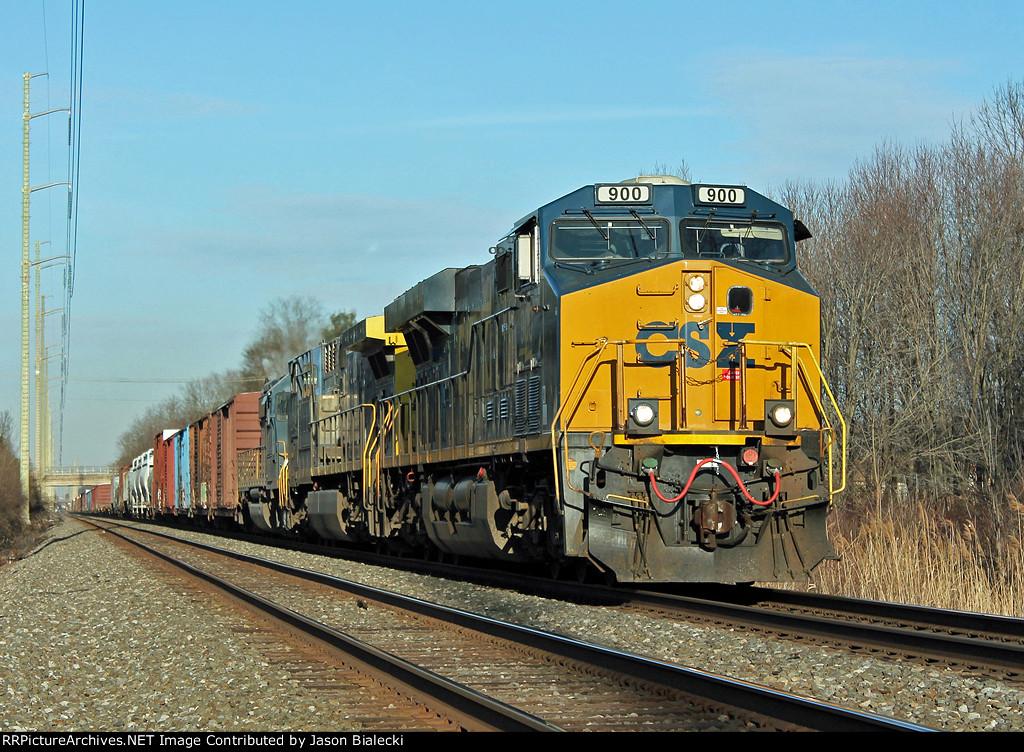 CSX 900 on CSAO Lehigh Main Line