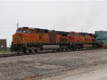 BNSF 4048 bring up dpu on a westbound bnsf stack train.