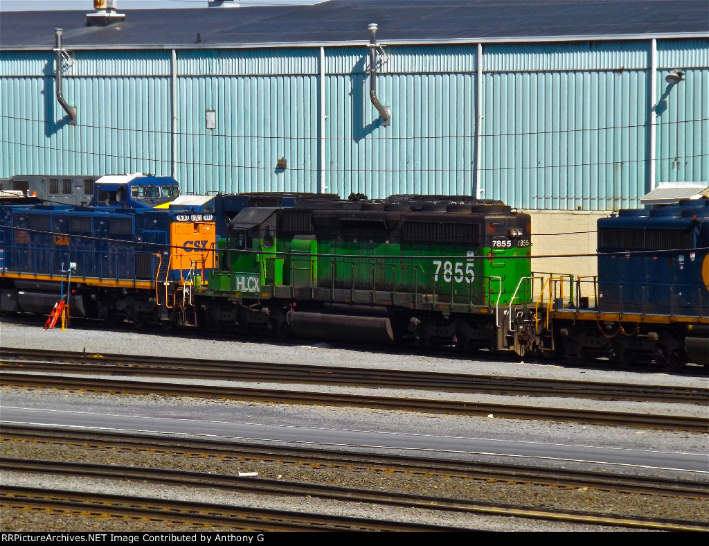 Some HLCX power from the night before  on Q262 sits in Selkirk