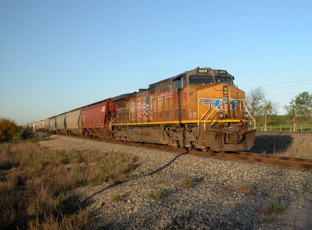 UP 6019  22Mar2012  Bringing up the rear of a SB train at Center Point Road